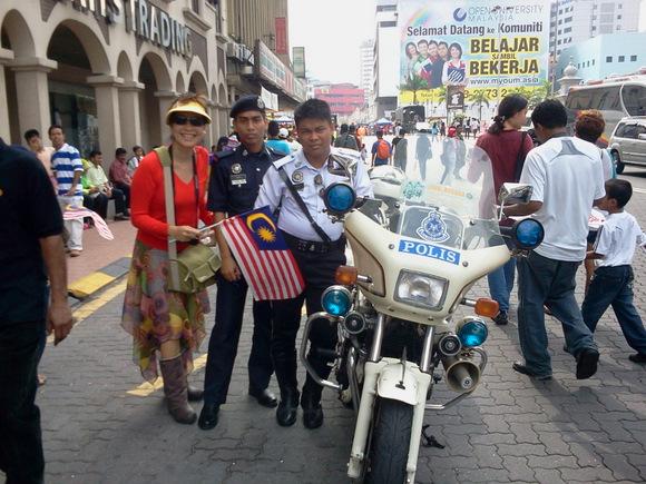 wpid-MePolice-2011-09-16-21-00.jpg